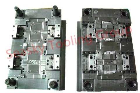 Plastic injection mold manufacturer