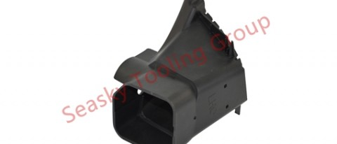Automotive plastic mold manufacturing