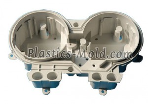Molded polycarbonate gaute merter cover