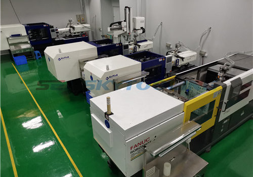 Medical plastic molding manufacturing plant